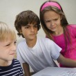 Kids Looking At Laptop — Stock Photo