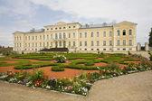 величественный дом в латвии — Стоковое фото