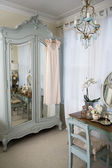 Dressing table in old-fashioned room — Stock Photo