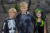 üç arkadaş halloween kostüm portre — Stok fotoğraf