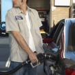Worker Refueling Car At Station — Stock Photo