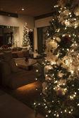 Arbre de Noël éclairé par des lampions — Photo
