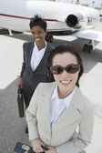 Two Business Women At Airfield — Stock Photo