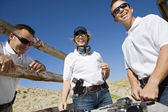 Men And Woman With Hand Guns At Firing Range — Stock Photo