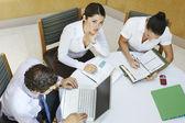 Biznes, praca w biurze — Zdjęcie stockowe