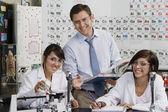 Estudiante de asistencia docente — Foto de Stock