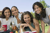 Women at outdoor picnic. — Stock Photo