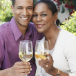 Couple celebrating with champagne — Stockfoto