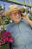 Senior Man Using Cell Phone — Stock Photo