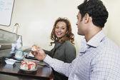 Couple eating sushi — Stock Photo