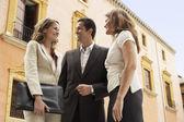 Vrouwelijke ondernemers en zakenman — Stockfoto