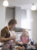 Girl and father baking — Stock Photo