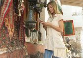 Tourist Shopping — Stock Photo