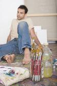 階スタジオのペイント ツールとアーティスト — ストック写真