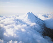 Mountain Peak above Clouds — Stock Photo