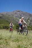 Teens Mountain Biking — Stock Photo