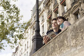 Couple Sightseeing in Paris — Stock Photo