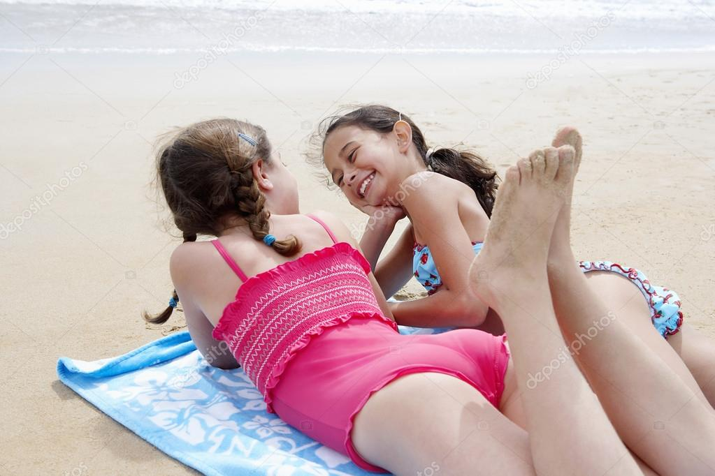 Sexy Teens Am Strand 112