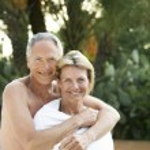 Senior Couple at Poolside — Stock Photo