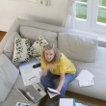 Woman using laptop — Stock Photo #33864335