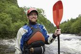 Kayaker Standing at Riverbank — Stock Photo