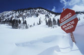 Closed--avalanche danger sign — Stock Photo
