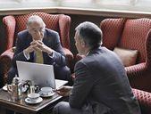 Business men talking — Stock Photo