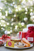 Whisky, mince pies and carrots — Stock Photo