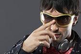 Man wearing sunglasses — Stock Photo