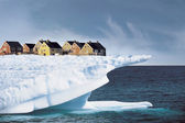 Houses on Edge of Ice Cliff — 图库照片