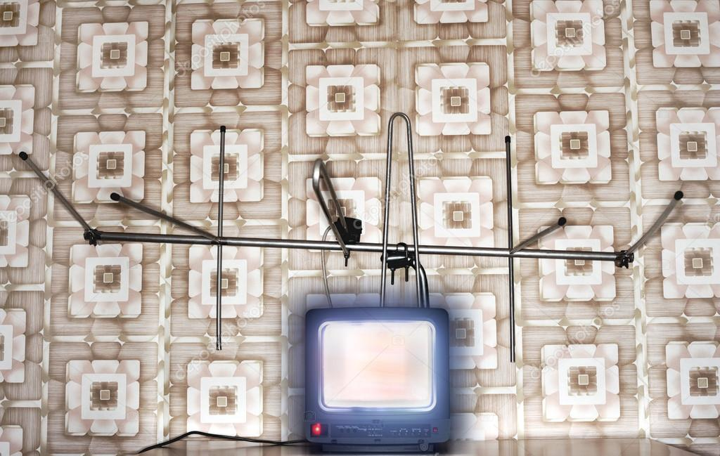 tv Set Wallpaper Old Fashioned tv Set With