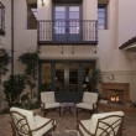Mediterranean home exterior — Stock Photo #33988587