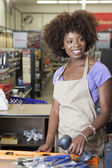 Store clerk in supermarket — Stock Photo