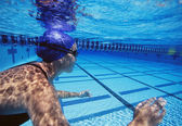 Female swimmers — Stock Photo