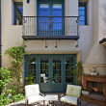 Mediterranean home exterior — Stock Photo #33999319