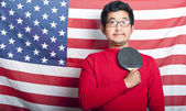 Man holding table tennis paddle — ストック写真