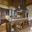 Classic Kitchen — Foto de stock #34009355