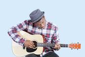 Man plays guitar — Stock Photo