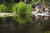 Uomo e figlio di pesca insieme — Foto Stock