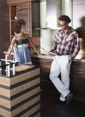 Couple at furnished kitchen — Foto Stock