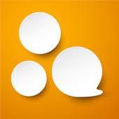 Papel blanco redondo burbujas de discurso. — Vector de stock