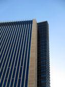ângulo lateral de edifício alto — Foto Stock