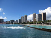Ocean Water, Waikiki Beach, and Hotel Towers — Stock Photo