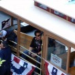 Tim Lincecum and Dan Runzler hang in trolley car before start of — Stock Photo