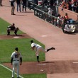 giants matt cain throws pitch to catcher buster posey during bul — Stock Photo