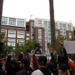 : Giants Fans go crazy for Cameraman on top of TV Van — Stock Photo #21849623