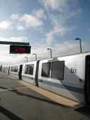 BART Train at West Oakland Station — Stock Photo