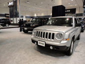 Silver and Black Jeeps on display — Stock Photo