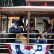 Giants Tim Lincecum and dan runzler sit on Trolley and talk stor — Stock Photo