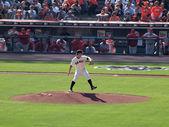 Pitcher Matt Cain steps forward to throw pitch — Stock Photo